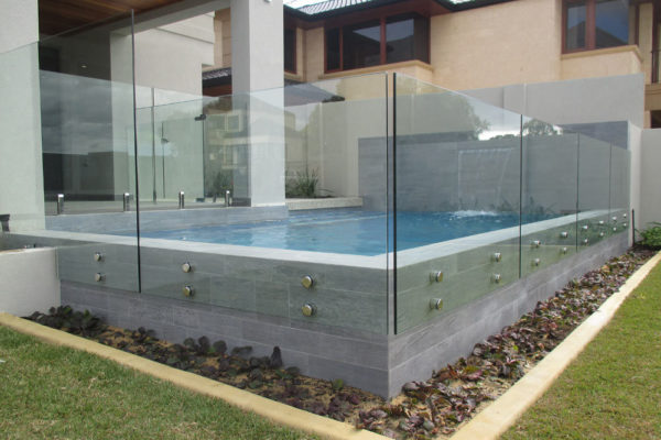 glass-pool-fencing-10