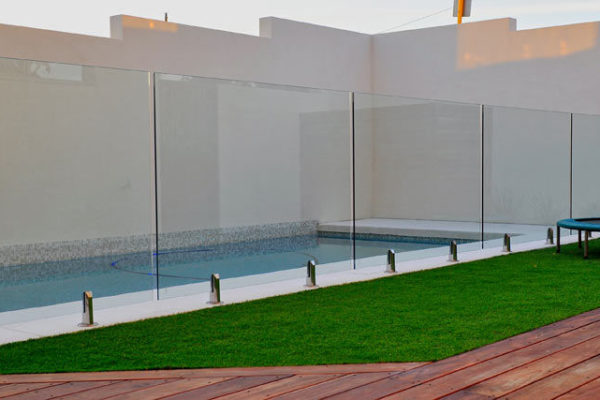 glass-pool-fencing-3